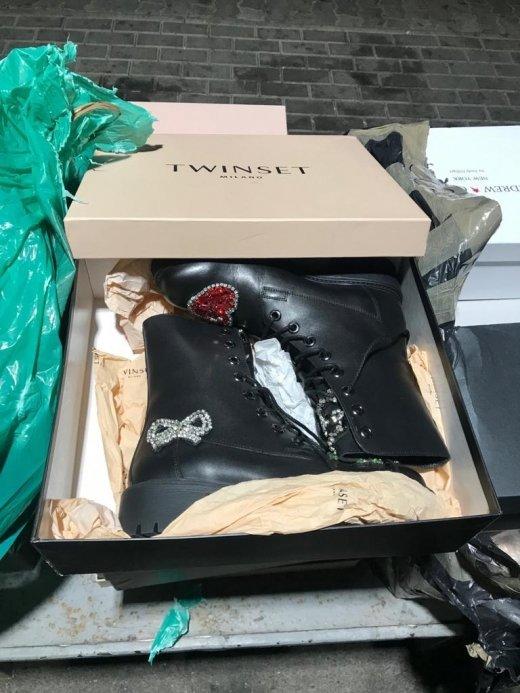 Закарпатські митники вилучили партію брендового взуття із Італії (ФОТО), фото-1