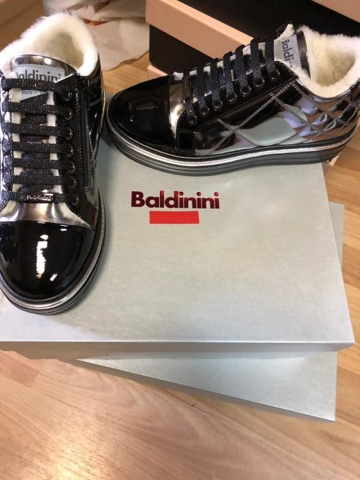 Закарпатські митники вилучили партію брендового взуття із Італії (ФОТО), фото-6