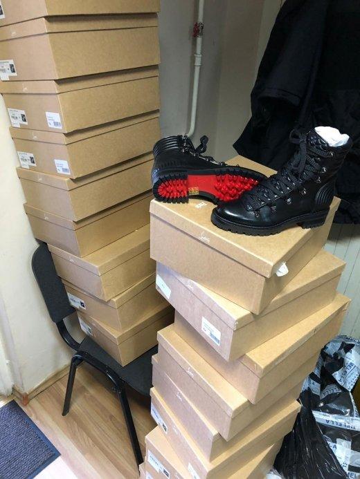 Закарпатські митники вилучили партію брендового взуття із Італії (ФОТО), фото-3