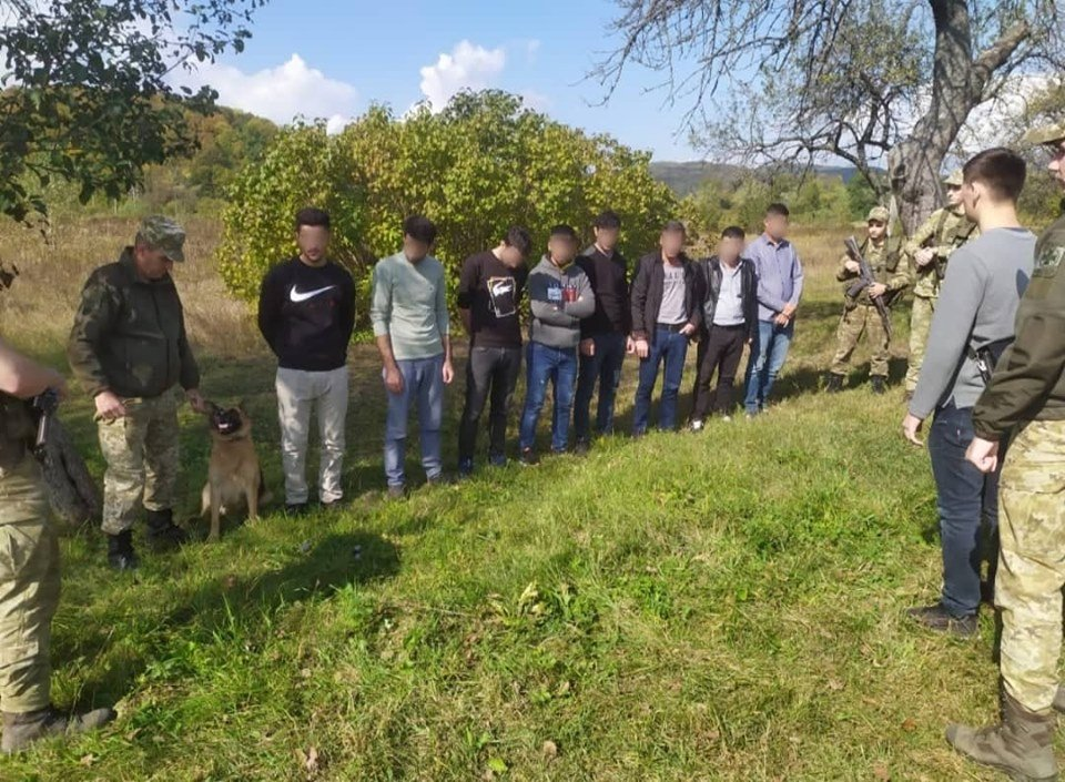Українець віз через Закарпаття до Словаччини групу турецьких нелегалів (ФОТО), фото-2