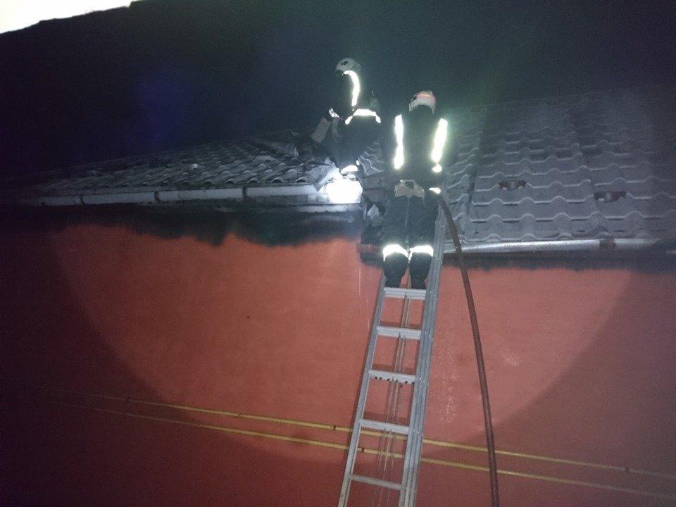 У Берегові пожежа знищила частину житлового будинку та автомобіль (ФОТО), фото-6