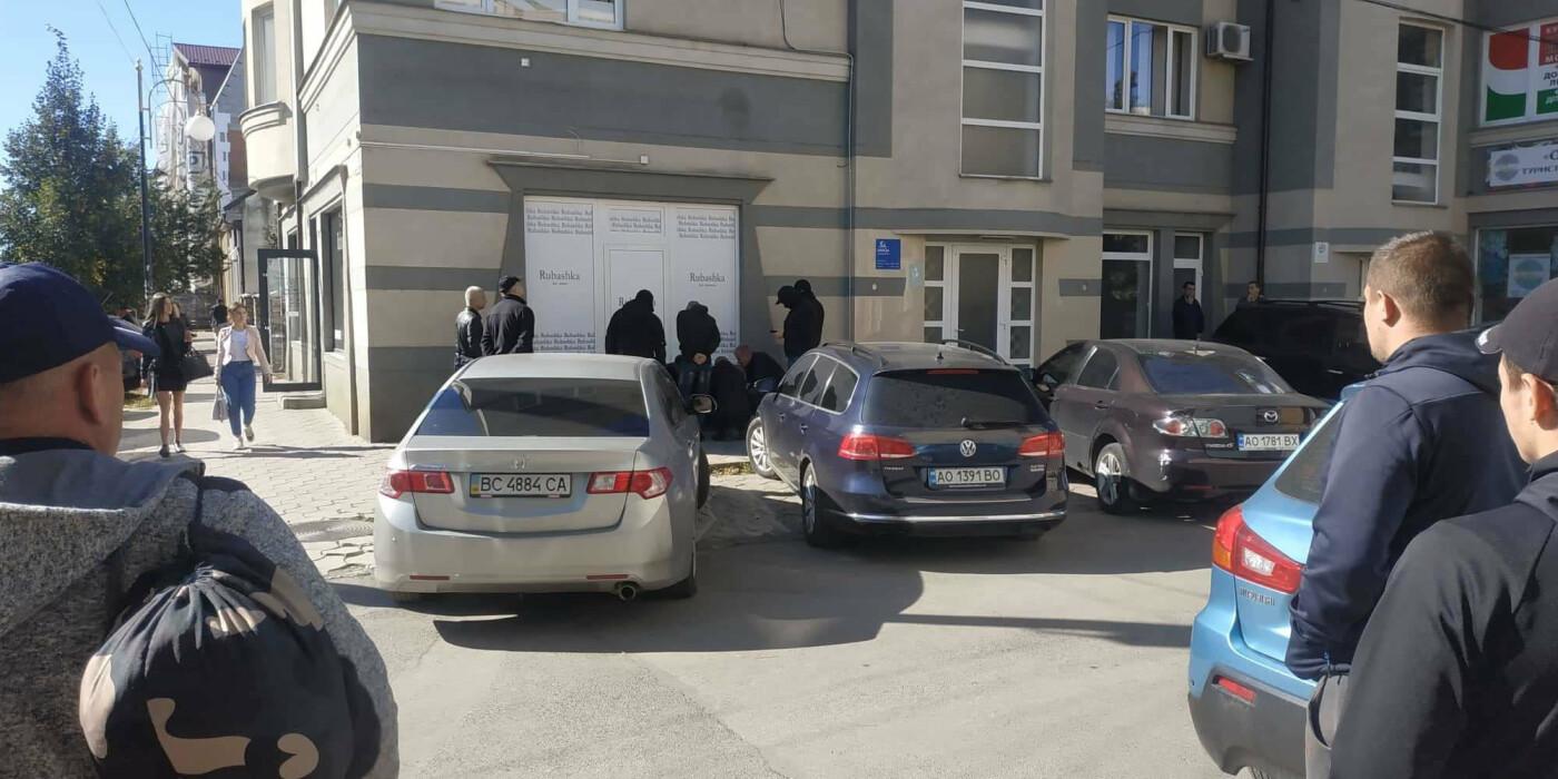 При отриманні хабара в Ужгороді затримали начальника екологічної інспекції Закарпаття (ФОТО), фото-3