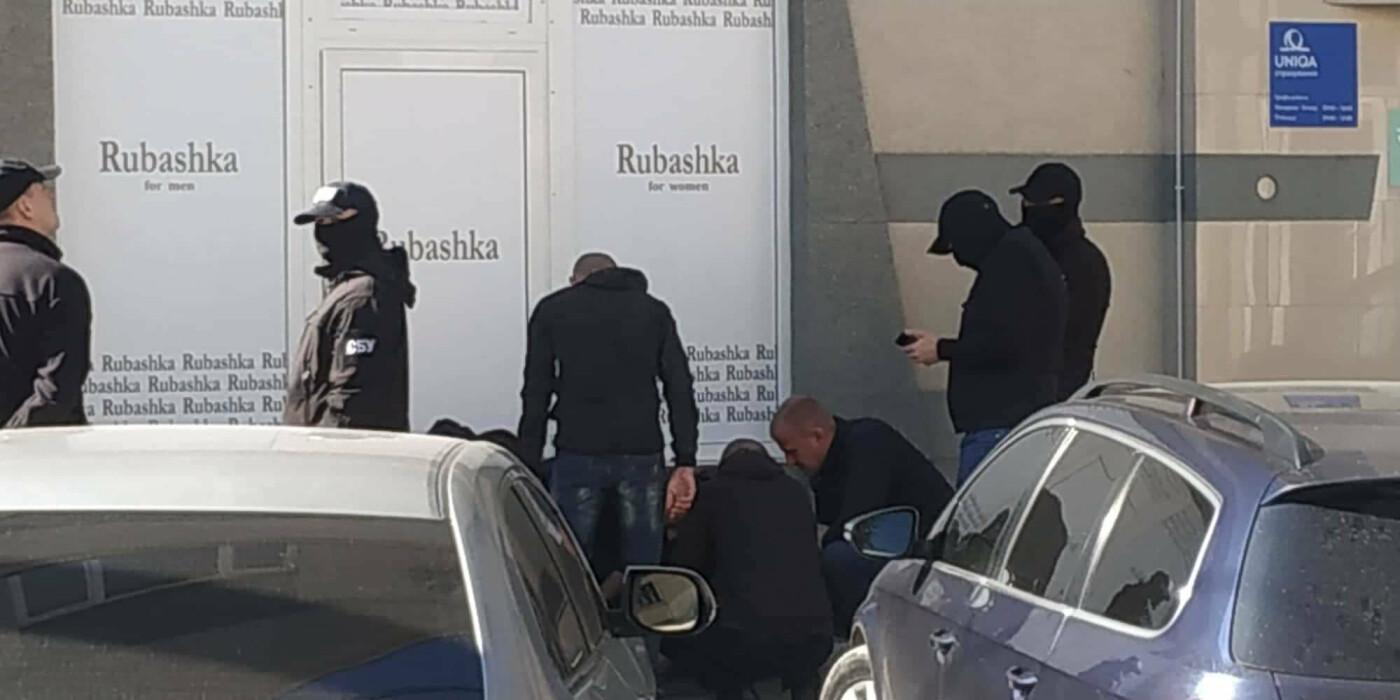 При отриманні хабара в Ужгороді затримали начальника екологічної інспекції Закарпаття (ФОТО), фото-2