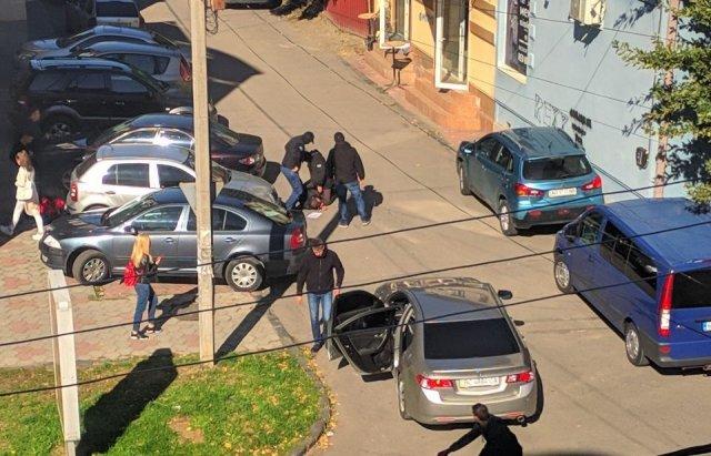 При отриманні хабара в Ужгороді затримали начальника екологічної інспекції Закарпаття (ФОТО), фото-1