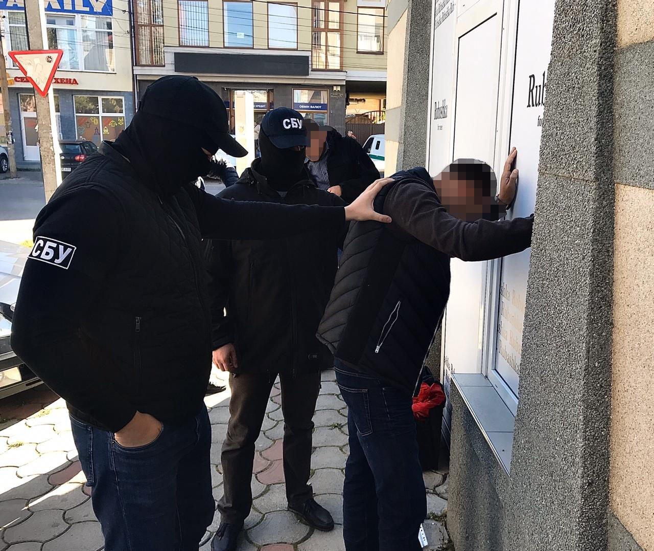 Офіційні подробиці затримання на хабарі начальника Держекоінспекції в Ужгороді (ФОТО), фото-3