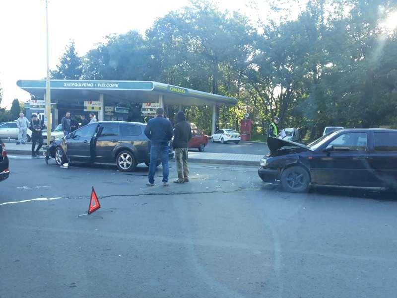В Ужгороді сталась потрійна ДТП без потерпілих: деталі від патрульних (ФОТО), фото-1