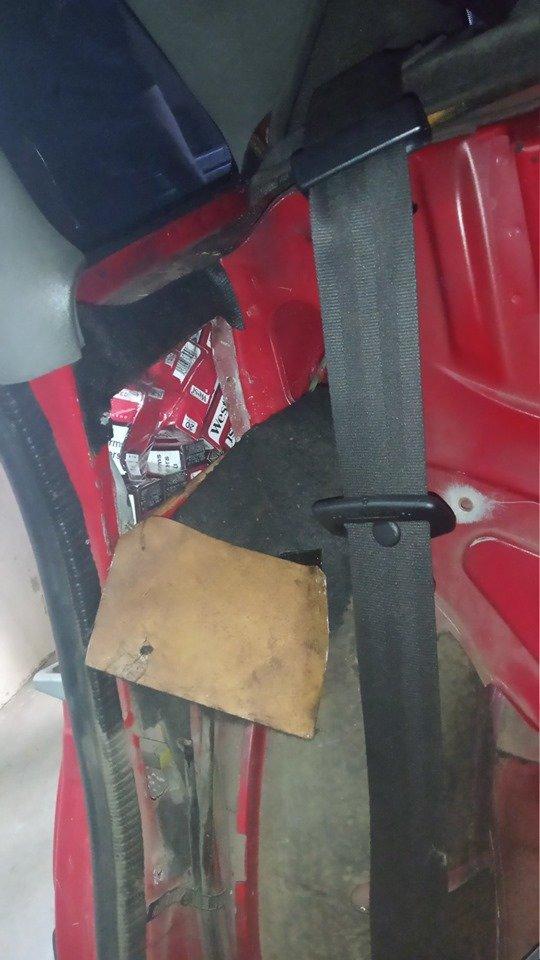 На Закарпатті у поляка забрали «Audi» через приховані 122 пачки сигарет (ФОТО), фото-3