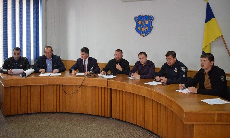 В Ужгороді транспортна комісія вирішувала долю обмежувачів, переходів, паркувань та зупинок, фото-1