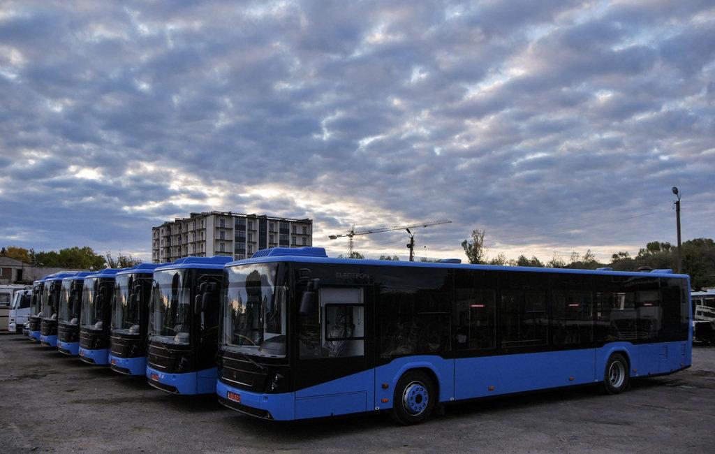 """Усі 10 нових """"Електронів"""" в Ужгороді: після належних процедур вийдуть на маршрути (ФОТО), фото-1"""