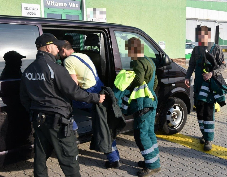 У Словаччині під час поліцейських рейдів затримали нелегальних заробітчан із Закарпаття (ФОТО), фото-2