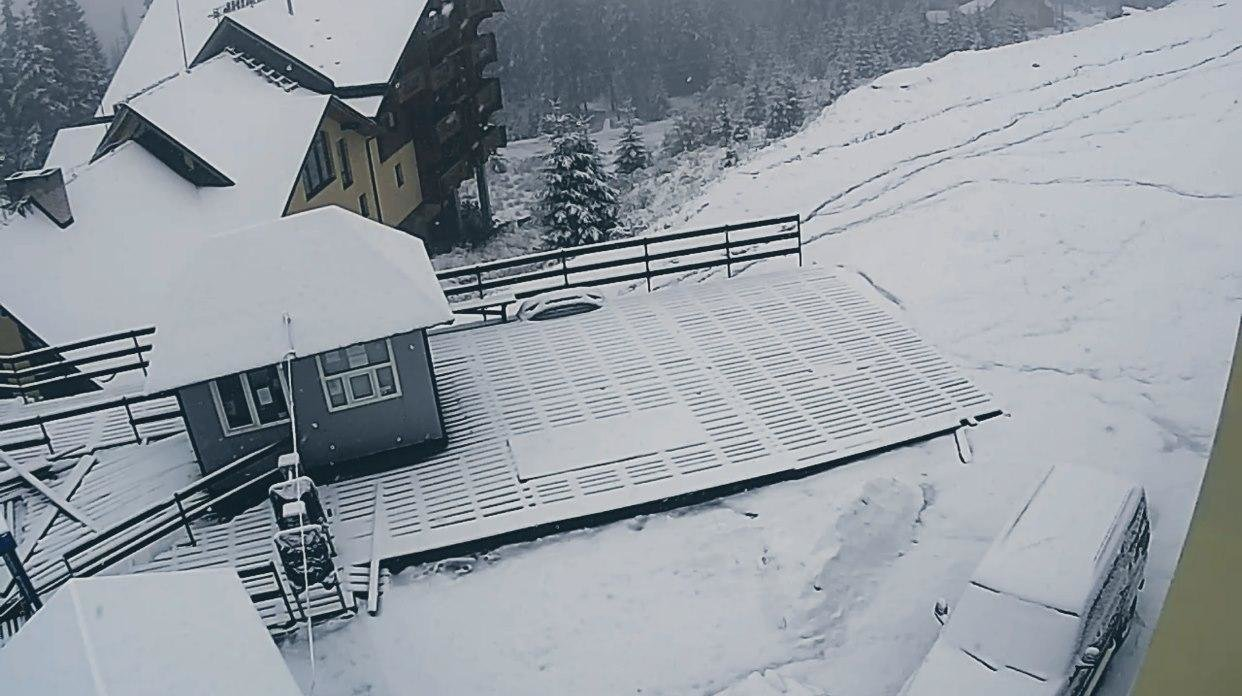 Зима прийшла: Українські Карпати та гірськолижні курорти вкрило снігом (ФОТО, ВІДЕО), фото-2