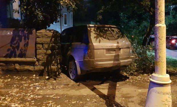 Офіційно про нічну ДТП в Ужгороді: у зіткненні Volkswagen та Range Rover постраждало 4 осіб (ФОТО, ВІДЕО), фото-2
