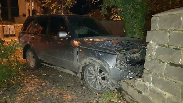 Офіційно про нічну ДТП в Ужгороді: у зіткненні Volkswagen та Range Rover постраждало 4 осіб (ФОТО, ВІДЕО), фото-3