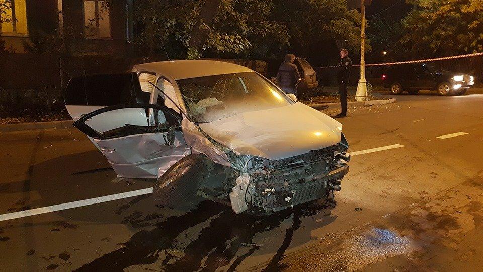 Офіційно про нічну ДТП в Ужгороді: у зіткненні Volkswagen та Range Rover постраждало 4 осіб (ФОТО, ВІДЕО), фото-8