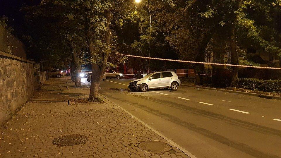 Лобове зіткнення VW та Land Rover в Ужгороді - перекрито частину Собранецької (ФОТО), фото-6