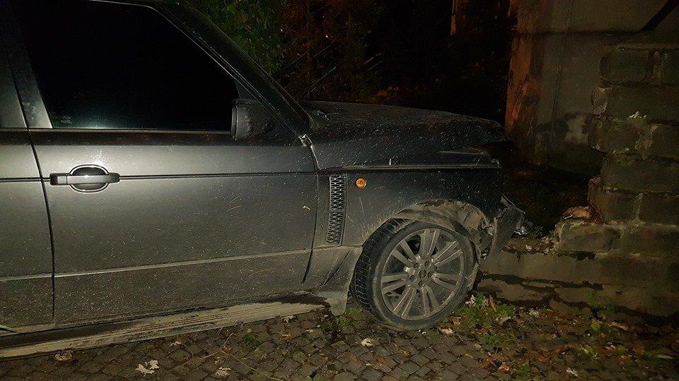 Офіційно про нічну ДТП в Ужгороді: у зіткненні Volkswagen та Range Rover постраждало 4 осіб (ФОТО, ВІДЕО), фото-6