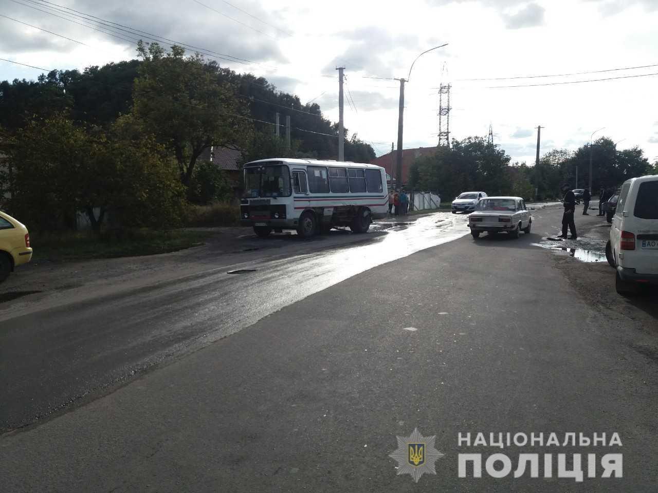 ДТП з постраждалими: Офіційні подробиці зіткнення ВАЗ та рейсового автобусу на Мукачівщині (ФОТО), фото-2