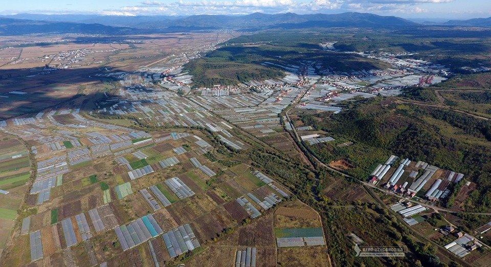 """У мережі показали з висоти """"поліетиленову долину"""" Закарпаття (ФОТО, ВІДЕО), фото-8"""