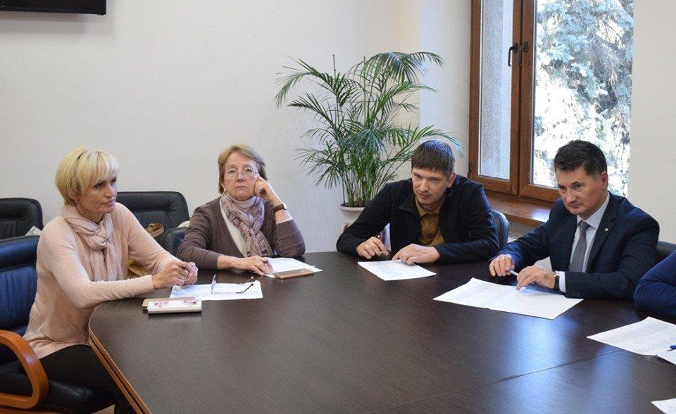 Понад 60 протоколів: за що адміністративна комісія оштрафує ужгородців, фото-2