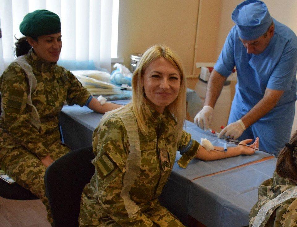 Врятувати життя: На Закарпатті 35 прикордонників стали донорами крові (ФОТО), фото-1