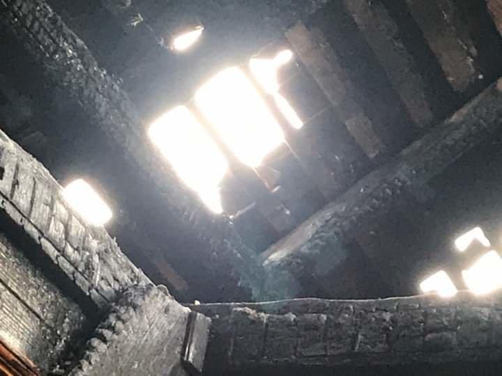 Сім'я Пантьо підозрює, що пожежа у їхньому будинку - помста: з'явились фото з місця пожежі в Ужгороді, фото-6