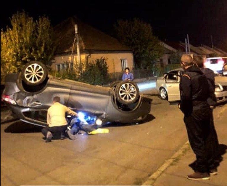 У Виноградові через п'яного водія у ДТП перекинулось авто - постраждала жінка (ФОТО, ВІДЕО), фото-1