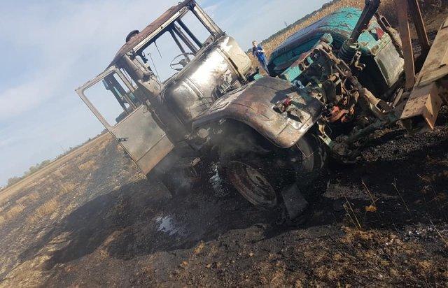 На Берегівщині прямо на полі загорівся трактор (ФОТО), фото-1