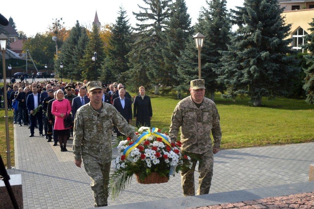 На Закарпатті вшанували військових, які загинули за свободу і незалежність України, фото-1