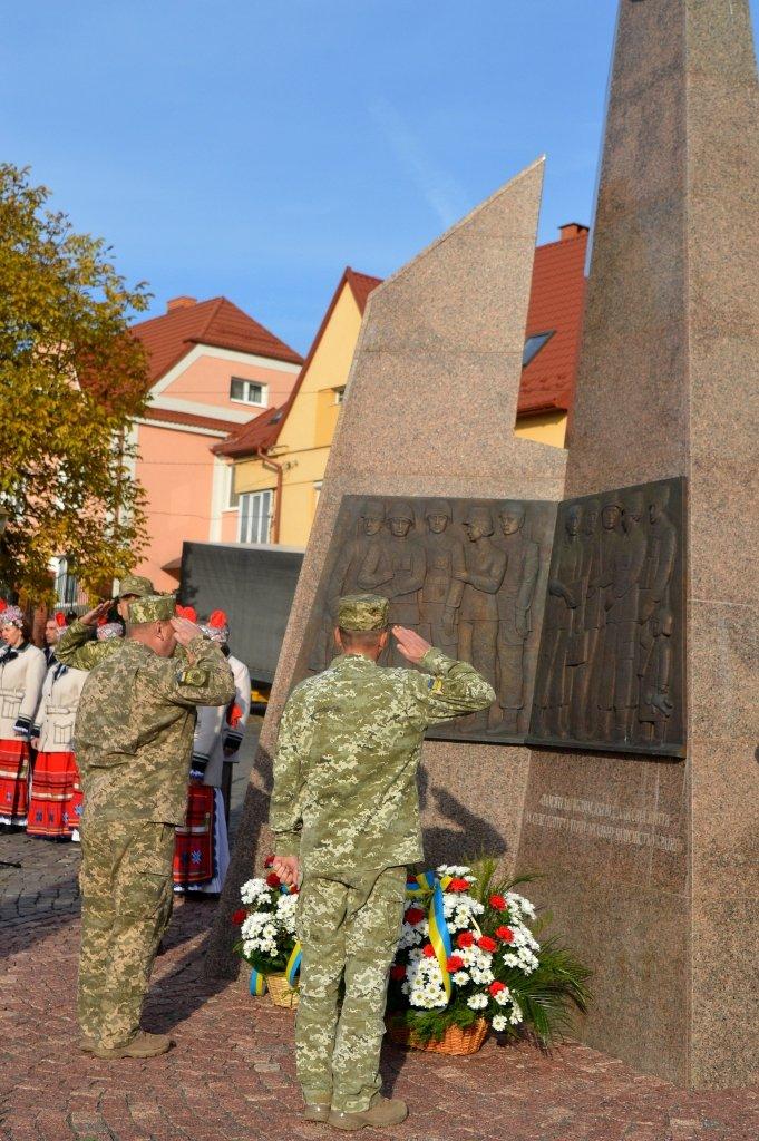 На Закарпатті вшанували військових, які загинули за свободу і незалежність України, фото-2