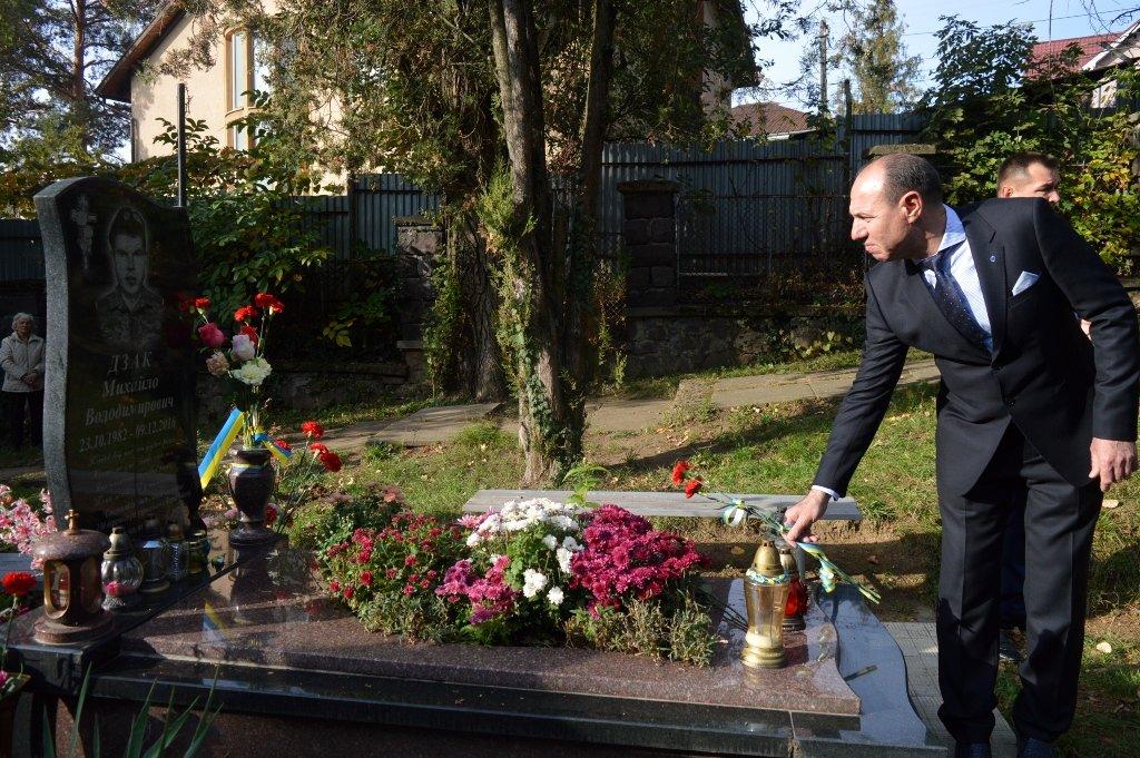 На Закарпатті вшанували військових, які загинули за свободу і незалежність України, фото-6