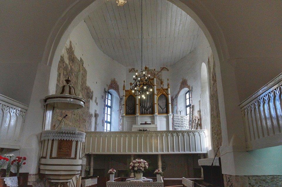 На Закарпатті у церкві знайшли мурал, датований XIV століттям (ФОТО), фото-1