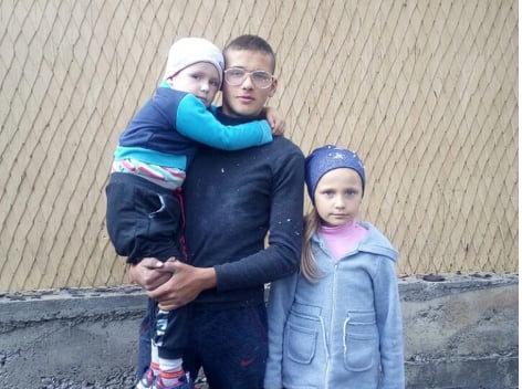 Справжня героїня: 8-річна закарпатка врятувала меншого братика від пожежі (ФОТО), фото-1