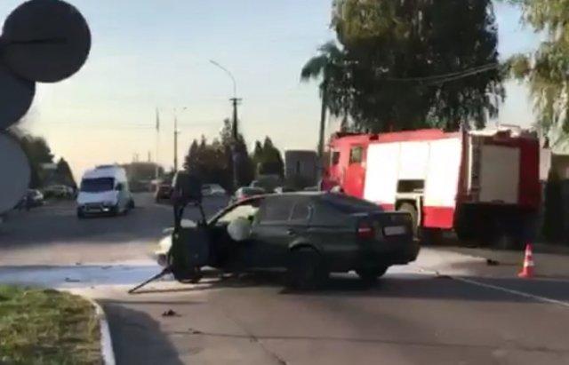 ДТП на Закарпатті: Мотоцикл зіштовхнувся зі Skoda, один із транспортних засобів спалахнув (ФОТО), фото-3