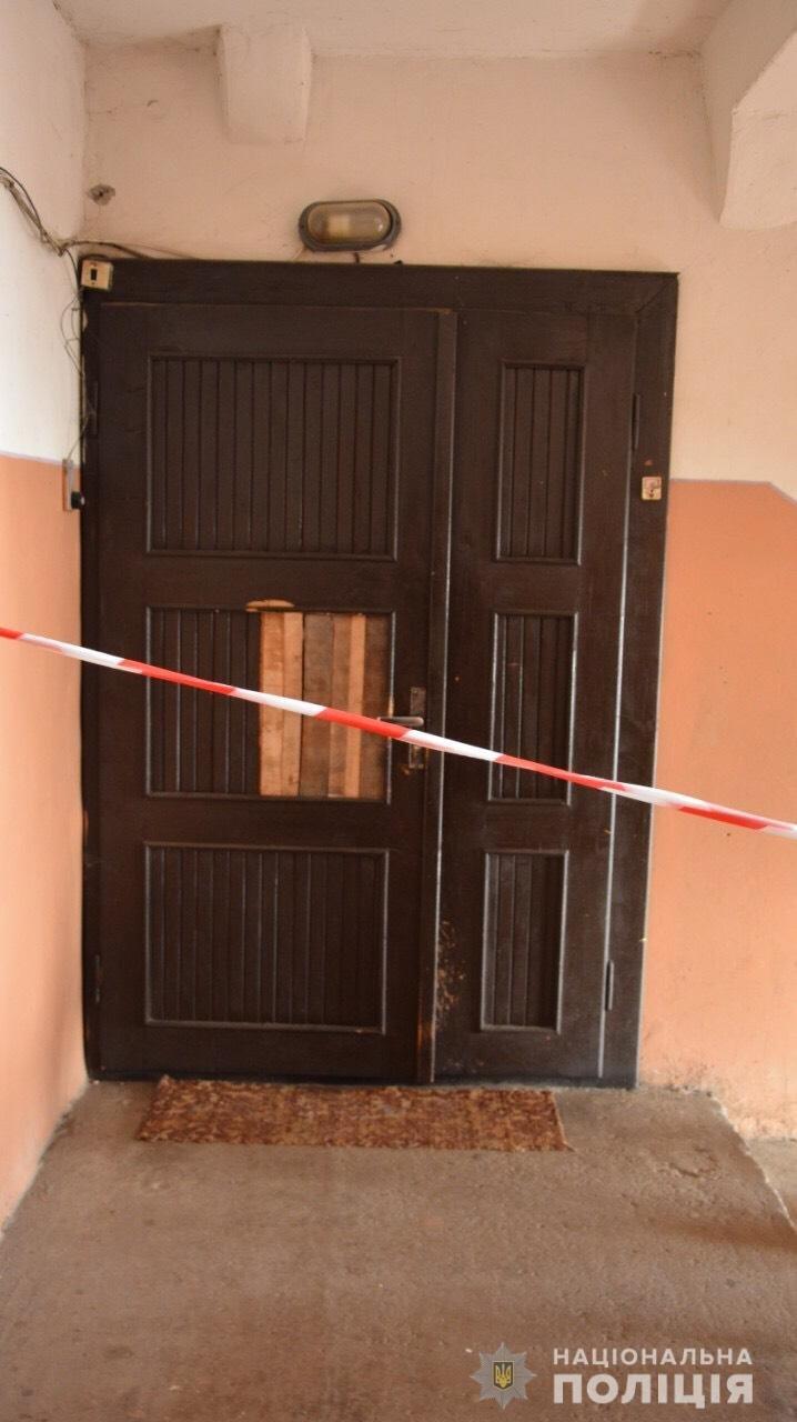 Вбив кухонним ножем та переховував тіло у ванній: На Закарпатті судитимуть підозрюваного у вбивстві мукачівця , фото-1