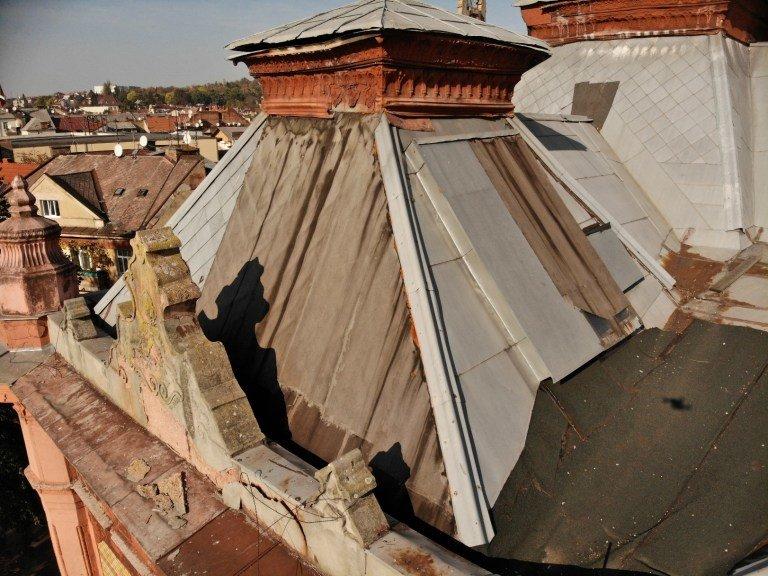 Чому затягується ремонт філармонії в Ужгороді і чим це загрожує будівлі (ФОТО), фото-1