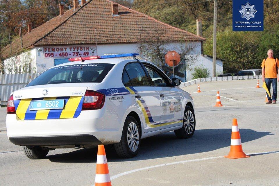 В Ужгороді патрульні змагались у навичках керування службовим автомобілем (ФОТО, ВІДЕО), фото-4