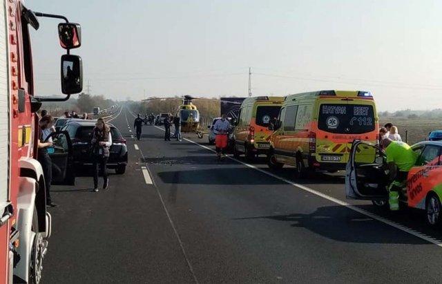 Аварія по той бік кордону: На швидкісній трасі  в Угорщині зіткнулось 12 автомобілів (ФОТО), фото-5