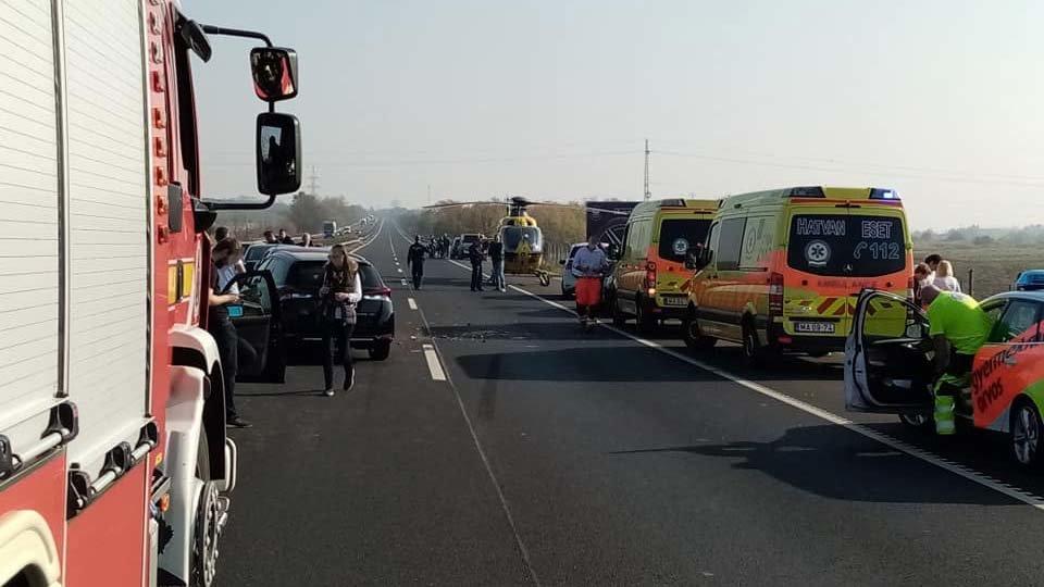 Аварія по той бік кордону: На швидкісній трасі  в Угорщині зіткнулось 12 автомобілів (ФОТО), фото-4