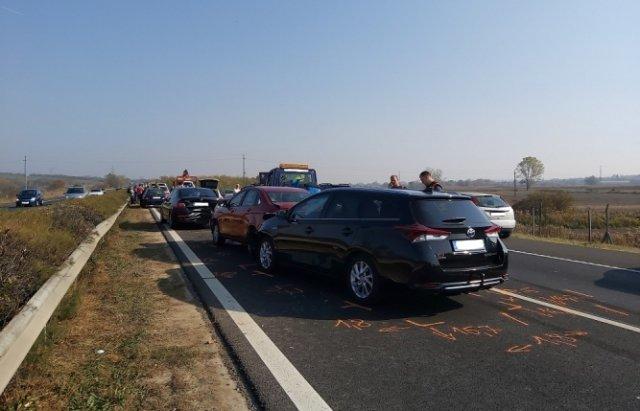 Аварія по той бік кордону: На швидкісній трасі  в Угорщині зіткнулось 12 автомобілів (ФОТО), фото-1
