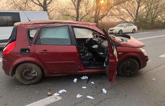 В Ужгороді на об'їзній у зіткненні Renault та Mercedes постраждало двоє людей (ФОТО), фото-3