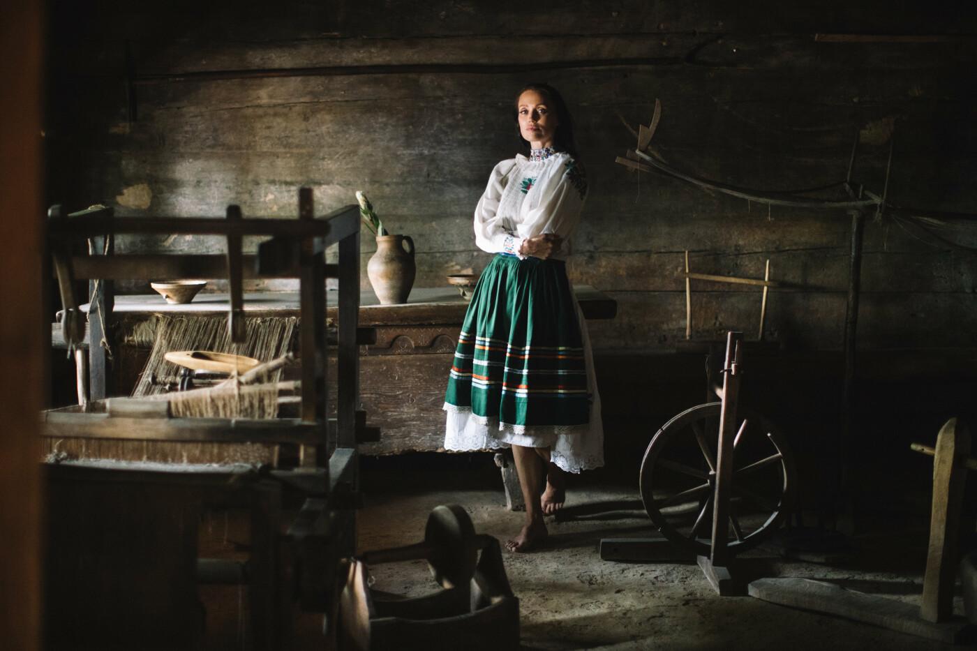 Історичне вбрання жінок Закарпаття презентували в сучасних образах (ФОТО, ВІДЕО), фото-12