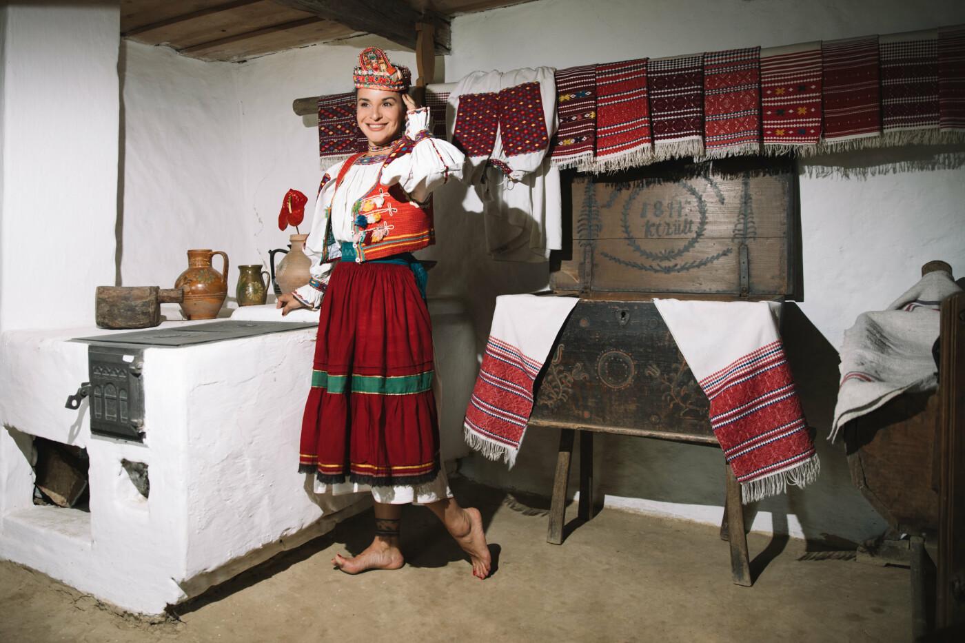 Історичне вбрання жінок Закарпаття презентували в сучасних образах (ФОТО, ВІДЕО), фото-10