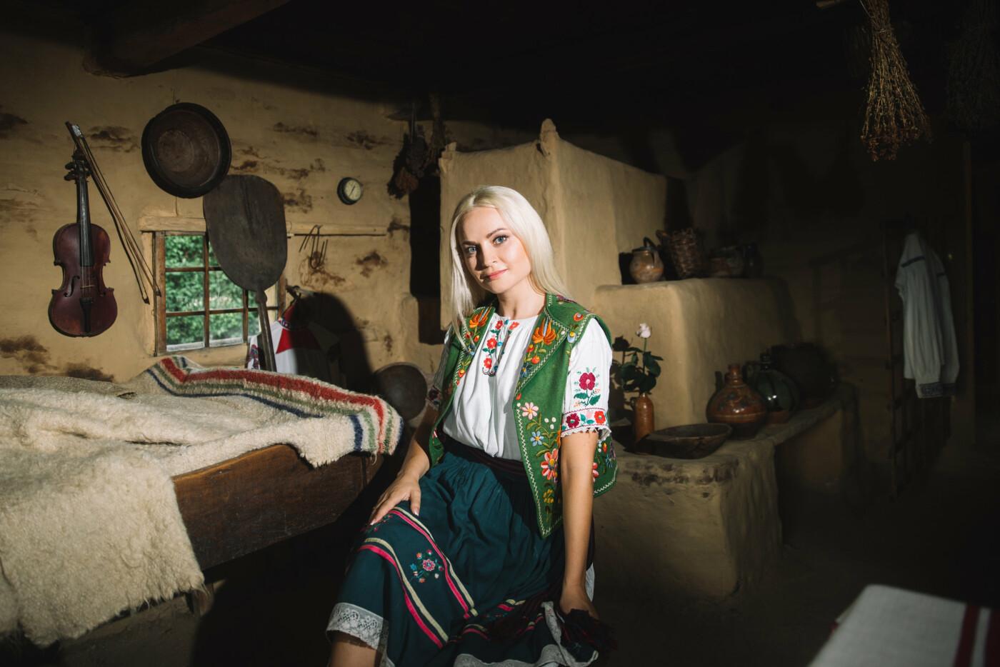 Історичне вбрання жінок Закарпаття презентували в сучасних образах (ФОТО, ВІДЕО), фото-3