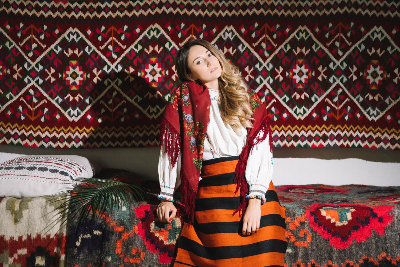 Історичне вбрання жінок Закарпаття презентували в сучасних образах (ФОТО, ВІДЕО), фото-13