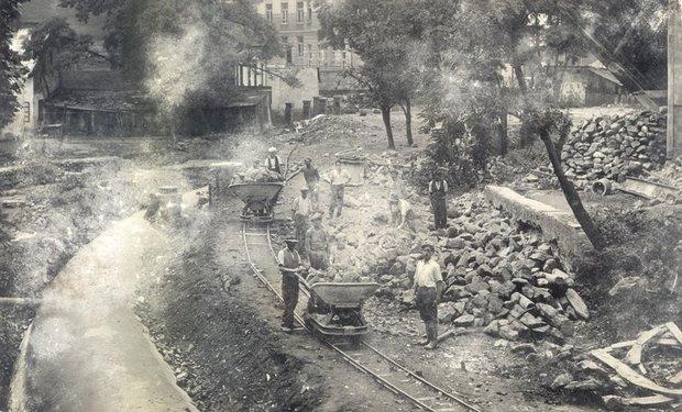 ФОТОФАКТ. Як в Ужгороді у далекому 1936-му вручну засипали Малий Уж, фото-1