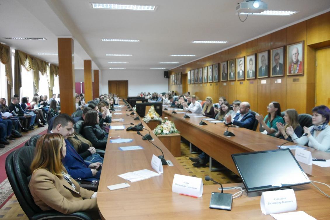 Володимир Смоланка вручив відзнаки найкращим студентам УжНУ (ФОТО), фото-1