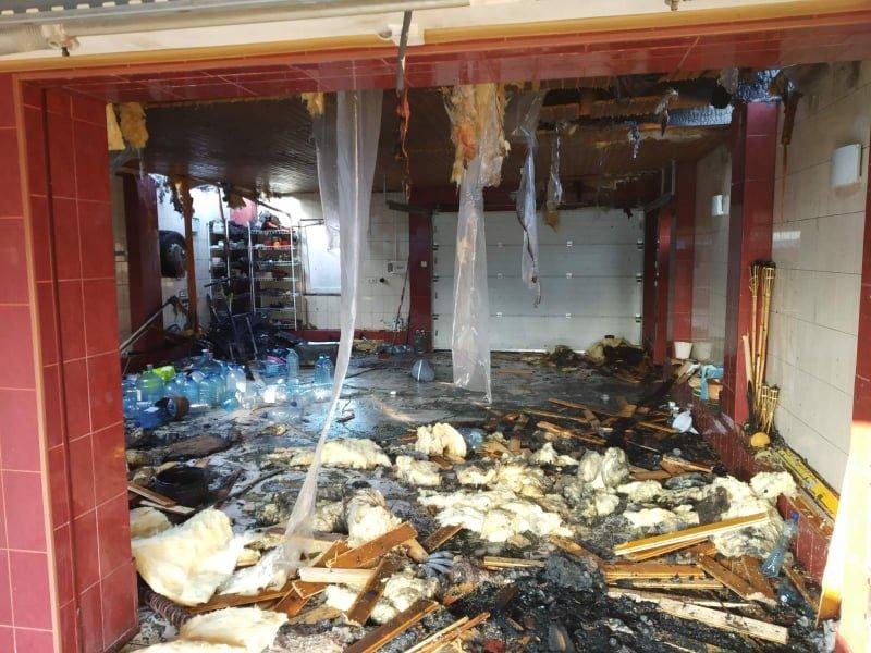 На Ужгородщині вночі за невстановленої причини загорівся гараж (ФОТО), фото-3