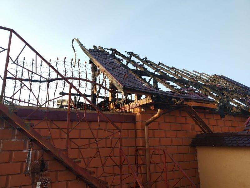 На Ужгородщині вночі за невстановленої причини загорівся гараж (ФОТО), фото-2