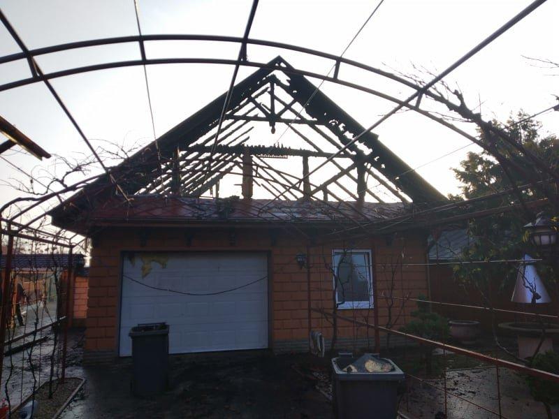 На Ужгородщині вночі за невстановленої причини загорівся гараж (ФОТО), фото-4