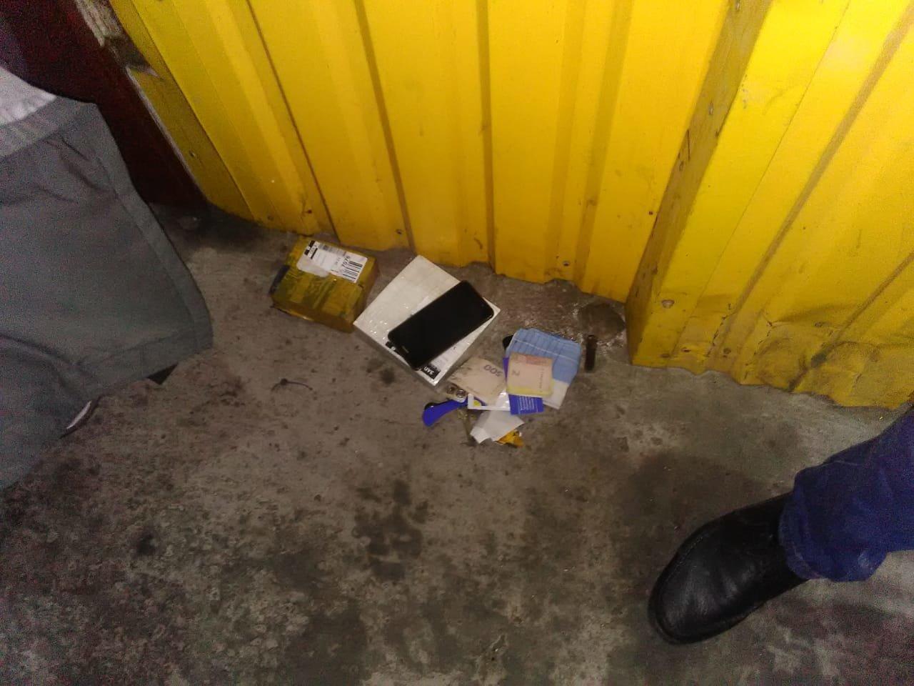У Запоріжжі поліція затримала священника під час отримання посилки з наркотиками (ФОТО), фото-2